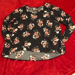 Torrid Sz 3 floral blouse top shirt
